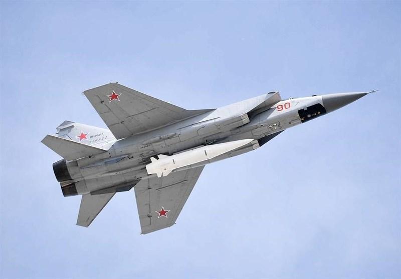 نخستین پرتاب موشک های خنجر در مناطق قطبی روسیه