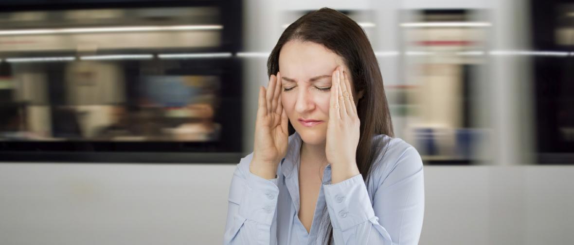 چرا هنگام سفر دچار سرگیجه می شویم؟