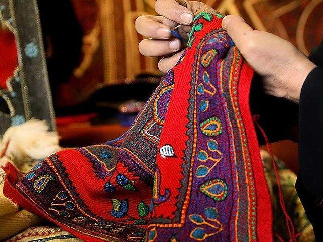نقش زنان در صنایع دستی کشورها