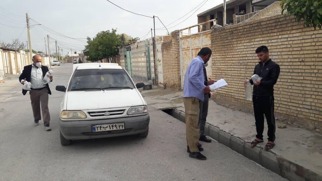 خبرنگاران ماسک و ضدعفونی کننده رایگان در قلعه تل باغملک توزیع شد