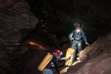 نقشه برداری از بزرگ ترین و تنها غار نمکی شرق کشور به اتمام رسید