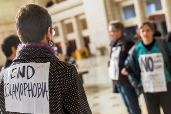 مخالفت دو حزب سیاسی در کانادا با نام گذاری روزی برای مبارزه با اسلام هراسی