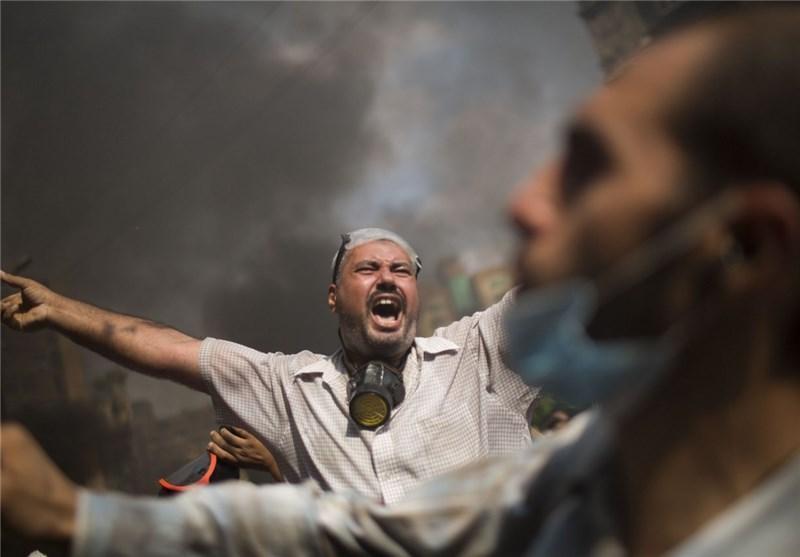 هواداران مرسی ساختمان استانداری جیزه را آتش زدند