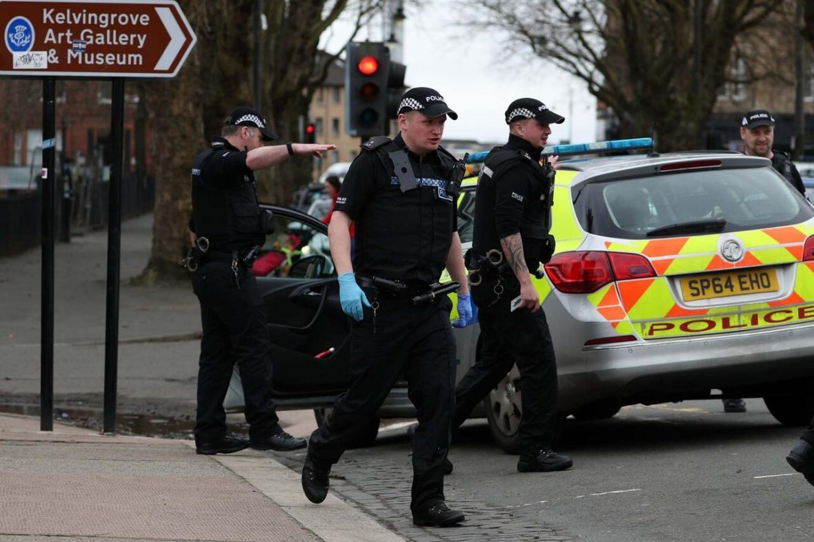 خبرنگاران صدها نفر در انگلیس به دلیل نقض قرنطینه جریمه شدند