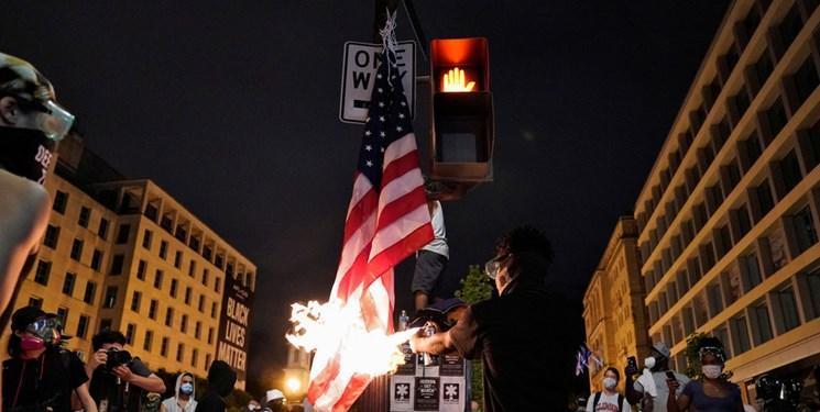 الجزیره: آمریکا همان اقداماتی را مرتکب می شود که در خارج از آن انتقاد می کند