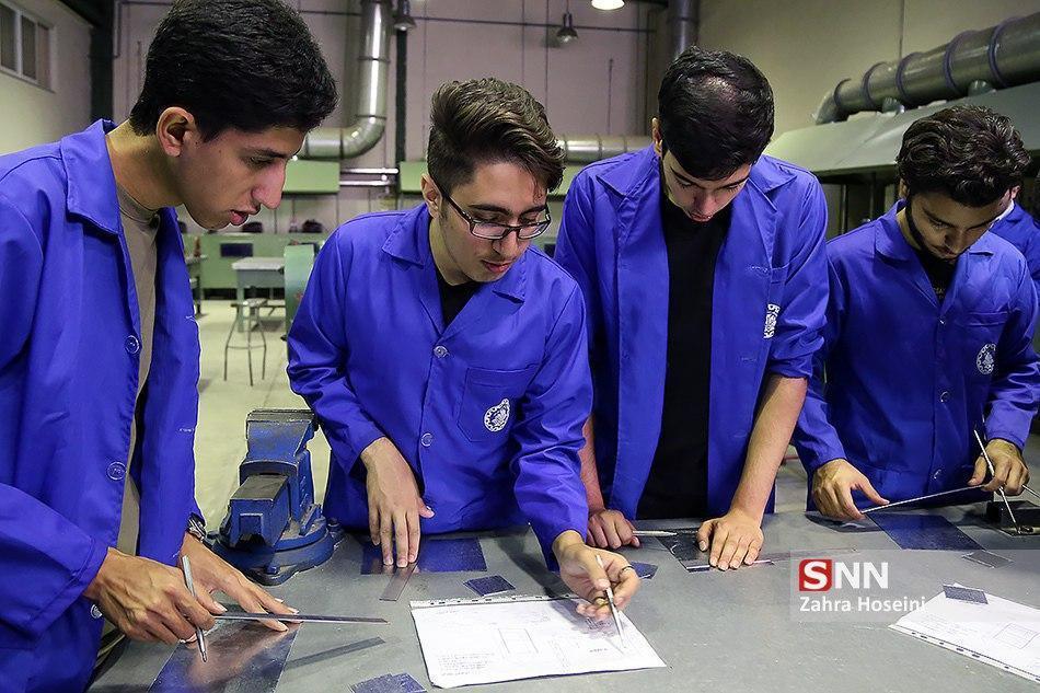 موسوی: کشوری که اصلا نفت ندارد، تکنولوژی نفت به ما می فروشد ، بالای 80 درصد انتها نامه ها در جهت حل مسائل صنعت نیست