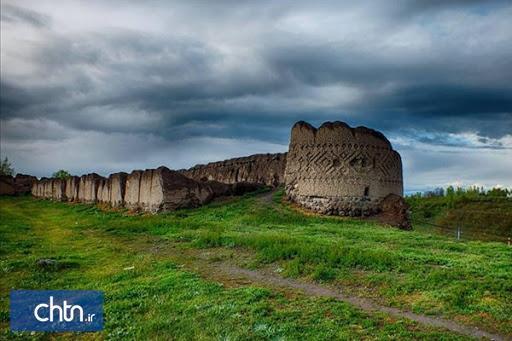 بنای تاریخی کهنه قلعه مشگین شهر احیا می گردد
