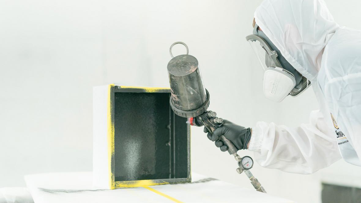 خط تولید شیلد های الکترومغناطیسی تقویت شده با گرافن راه اندازی شد