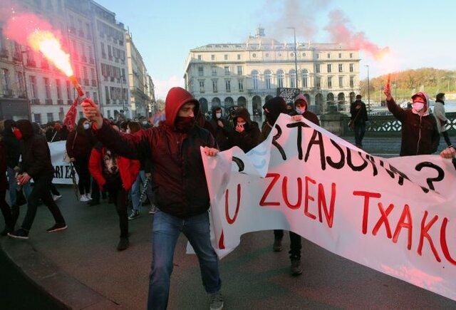 بازداشت حدود 150 تن در اعتراضات پاریس به تصویب قانون امنیت جهانی