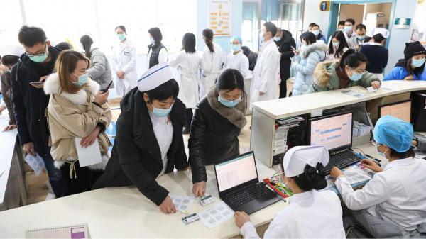 خبرنگاران چین نخستین مرگ ناشی از کرونا در 8 ماه گذشته را گزارش کرد