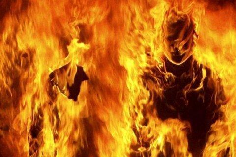 پسر نوجوان عصبانی خانه سرایداری مدرسه را آتش زد و مادرش را کُشت