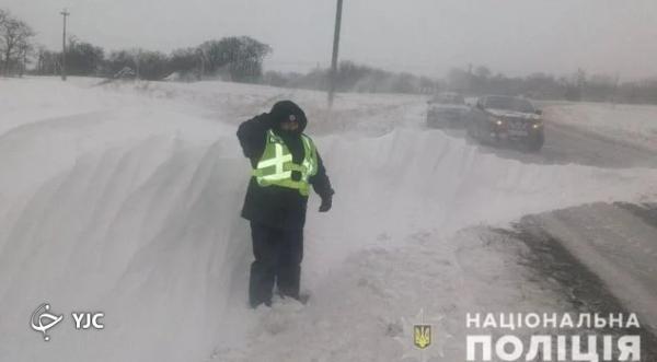 برف روبی جاده مرد اوکراینی سوژه شد