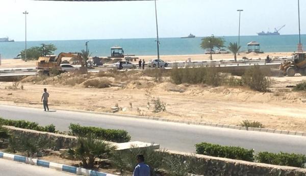 خبرنگاران عملیات اجرایی 2 زمین ورزش ساحلی در دیر آغاز شد