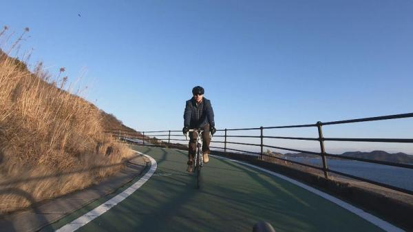 ماجراجویی در ژاپن؛ سوار بر دوچرخه بر روی دریا